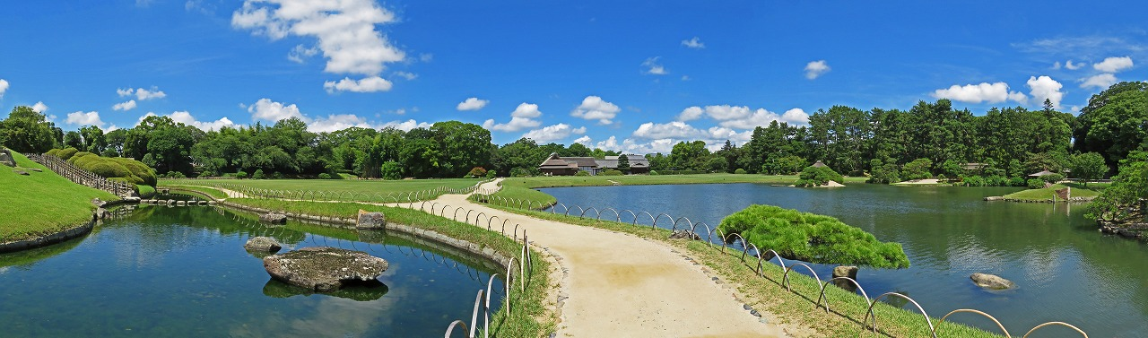 s-20150715 後楽園今日の綺麗な空模様の園内ワイド風景 (1)