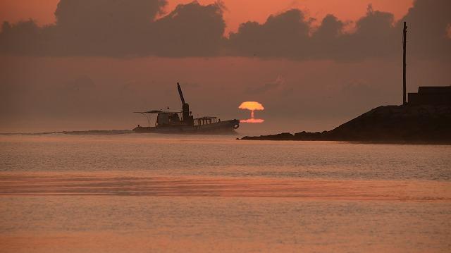 玉津港の日の出2