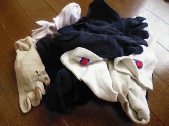 処分する靴下