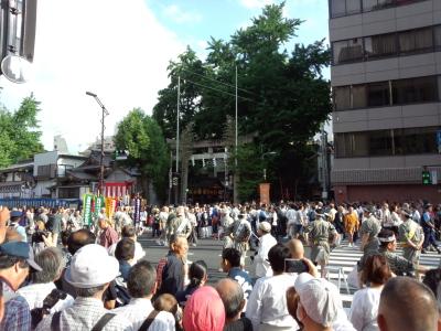 鳥越神社大祭