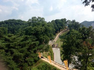 城郭のある韓国の風景。