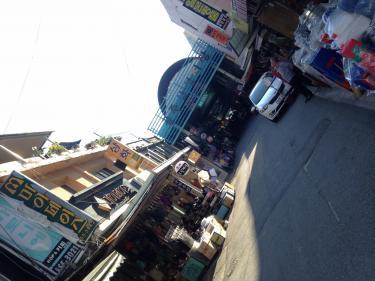 공주(コンジュ=公州)でも小さな市場へ行ってみました。