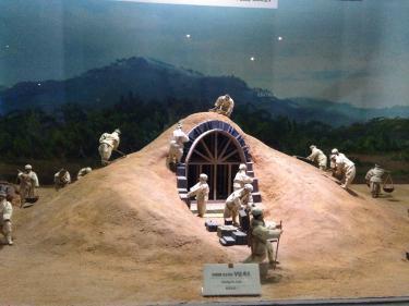 模型展示館にて。古墳はこのようにして作られていった。。
