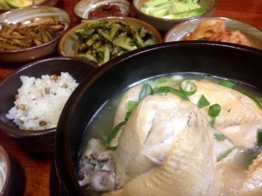 参鶏湯(サムゲタン)はやっぱり食べなきゃ!