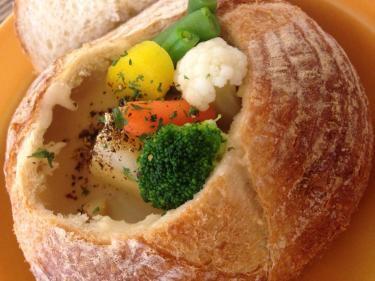 米派ではありますが・・パンと一緒に食べるシチューもこれまた美味^^
