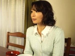 息子を溺愛する美熟女母 アダルト動画