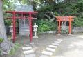 幸神社(左)と稲荷神社(右)