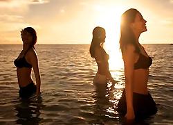 パチンコ「CR 大海物語BLACK」で使用されている歌と曲の紹介。「夏の奇跡 / 6代目ミスマリンちゃん(小柳歩、大浦育子、美月)」