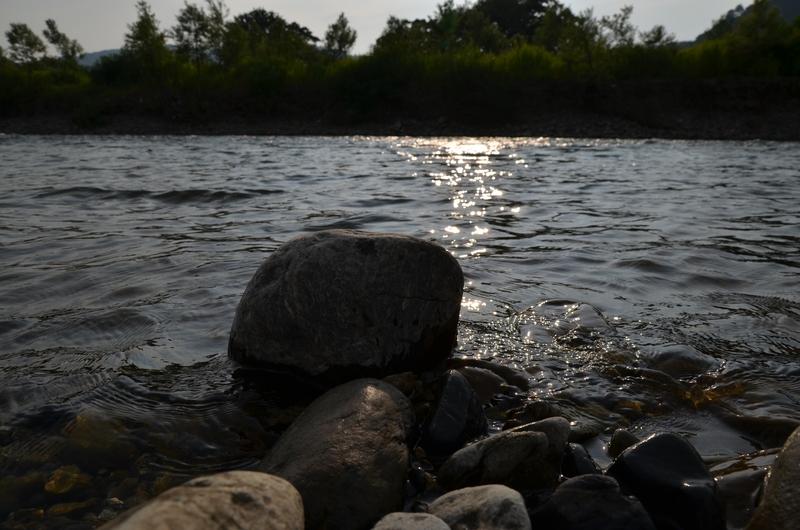 河原の石-5