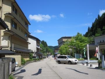 旅館から山手へ散歩