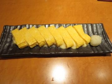 チーズ入り出汁巻き卵 800円
