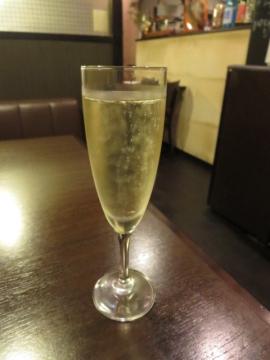 スパークリング グラスワイン 500円
