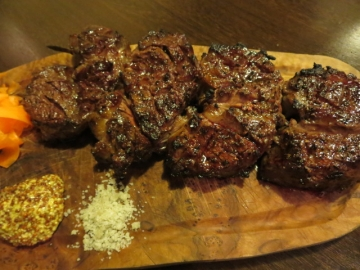 酒と肉の至福バル