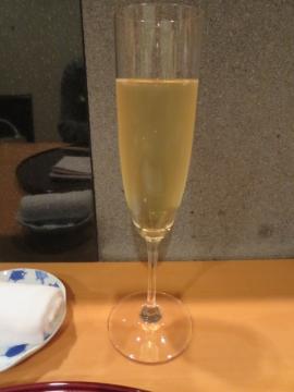 GHマム ミレジメ2006 グラス2000円