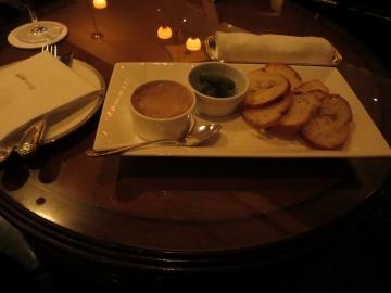 豚肉のリエット コルニッションとガーリックトースト