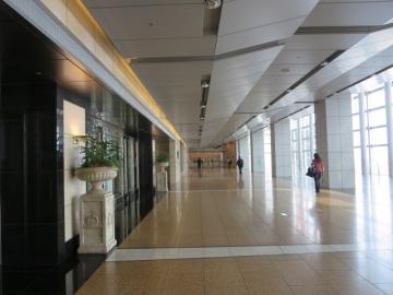 フロントフロアの入口