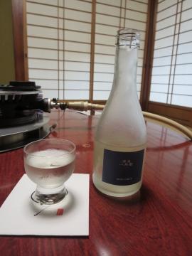 冷酒(八兵衛・300ml) 1296円