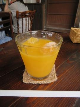 +200円で飲み物。国産温州みかんジュース
