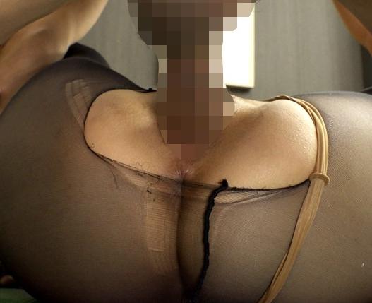 股間に食い込むハイレグ美女がパンスト足コキや着衣SEXの脚フェチDVD画像4