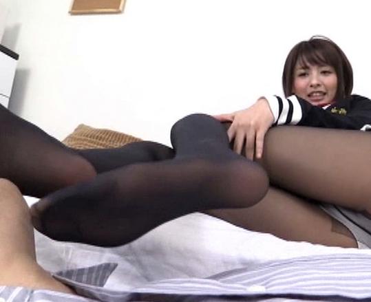 女子校生の黒パンストで拘束太腿コキされ大量脚射の脚フェチDVD画像2