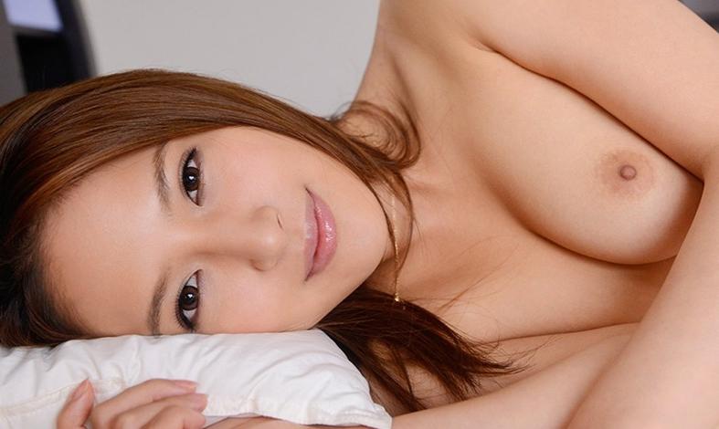 僕を誘惑する隣の綺麗なお姉さん 二宮ナナの脚フェチDVD画像1