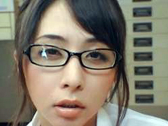 超美形の変態OL「晶エリー」がメガネに射精させそのザーメンを舐めまわす