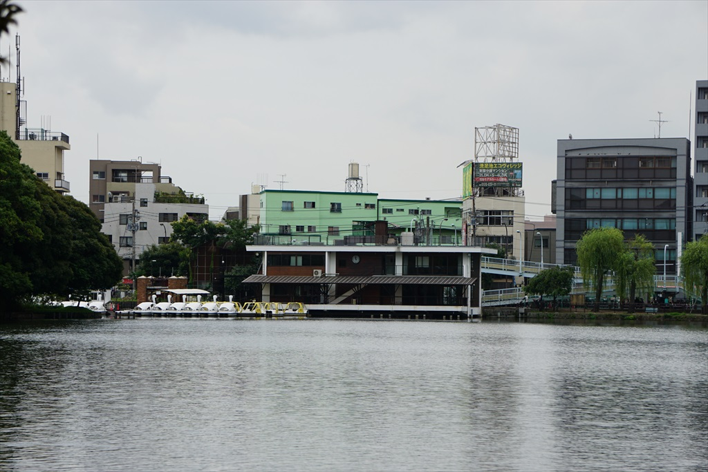 ボートハウスとボート乗り場