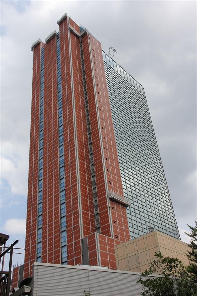 三軒茶屋のランドマークキャロットタワー
