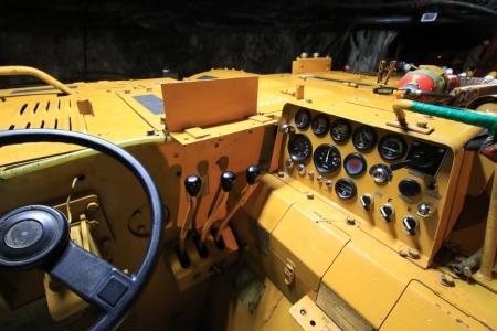 鉱山用重機2_10