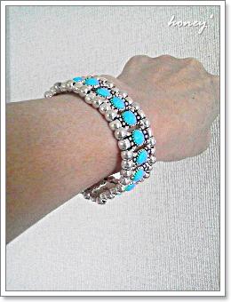 bracelet-blue4.jpg