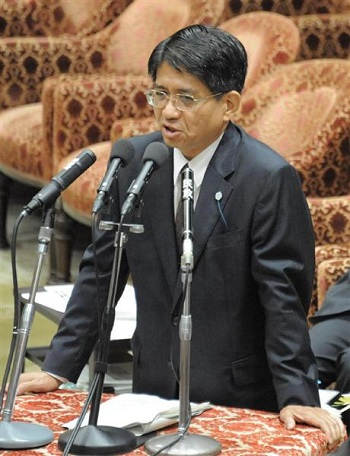 横畠法制局長官