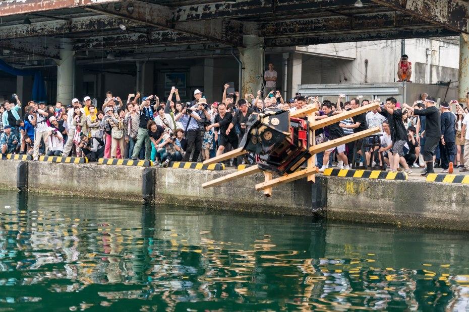 2015.07.04あばれ祭り 神輿を海へ火の中へ2