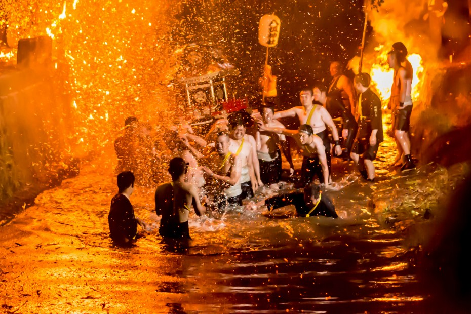 2015.07.05あばれ祭りカンノジ松明白山方神輿16