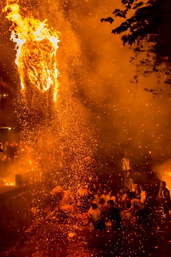 2015.07.05あばれ祭りカンノジ松明白山方神輿9