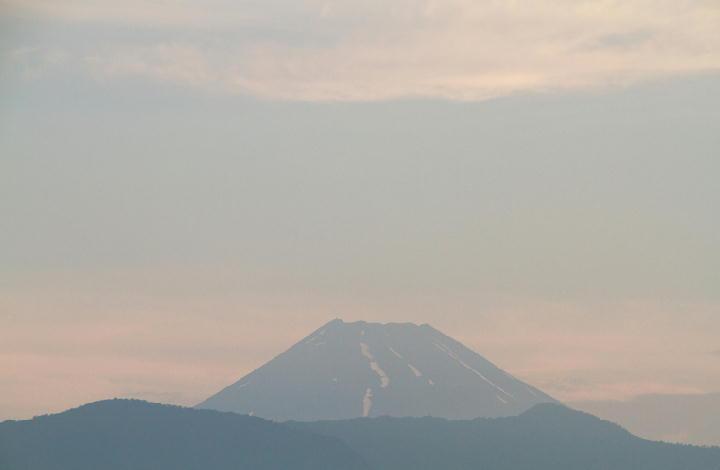 25日 5-03 今朝の富士山-1
