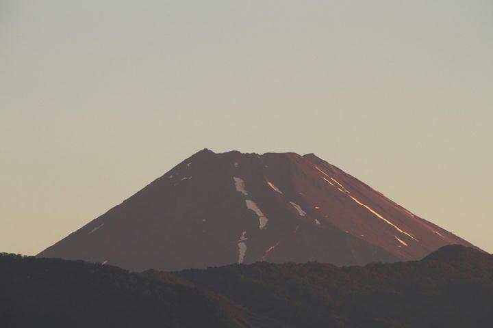 28日 4-47 今朝の富士山