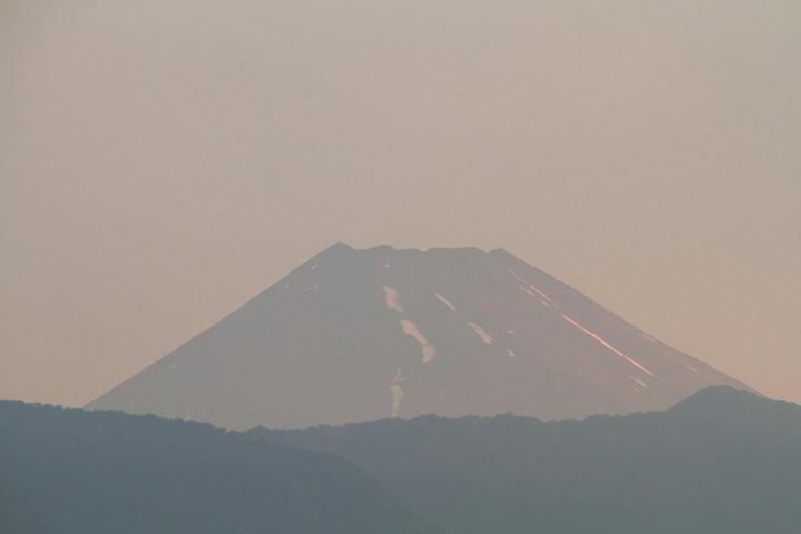 30日 4-44 今朝の富士山