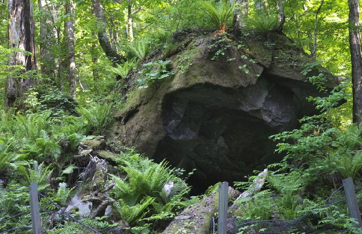 巨岩-147-11