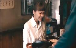土鍋を開けて、思わず笑顔になるみちる