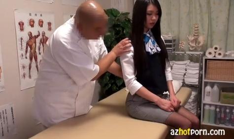 超美人OLが猥褻マッサージされスカートを剥ぎ取られ恥ずかしそう!!
