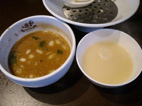 日の出製麺 保内工場・H27・7 濃厚煮干しつけめん 割スープ
