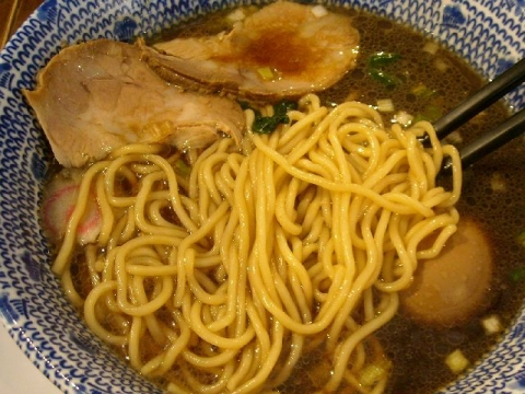 ちょび吉・H26・11 ド生姜醤油らー麺 麺
