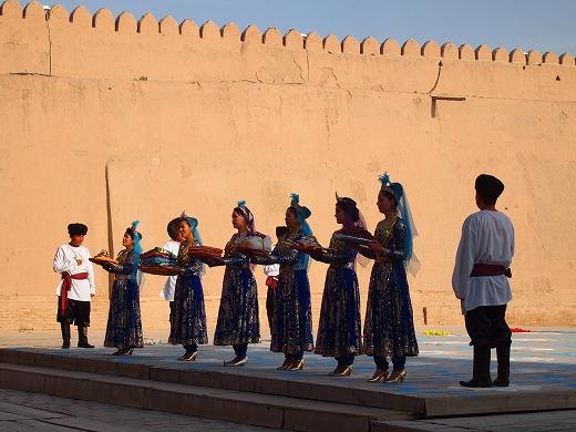 ウズベキスタン民族ダンス