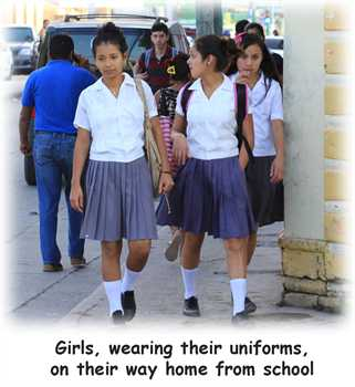 Newsletter-2015-june-01-Schoolgirls.jpg