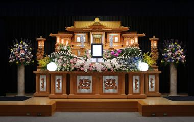 ピンクのユリとトルコの入った花祭壇「愛」2907