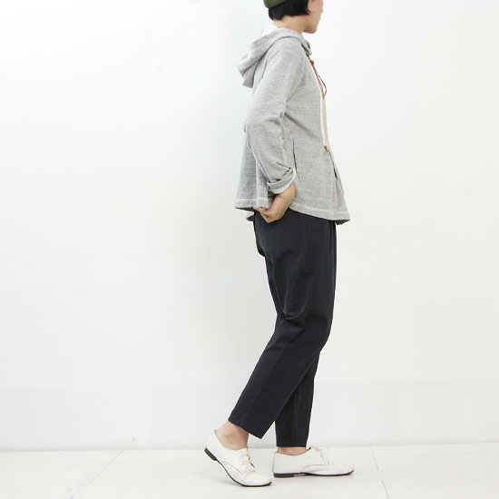 evameva (エヴァムエヴァ) Cotton hemp tuck pants