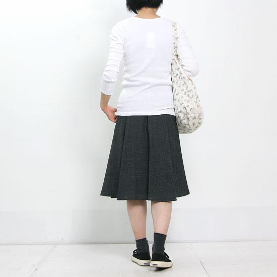 mao made(マオメイド) コットンテレコVネックプルオーバー