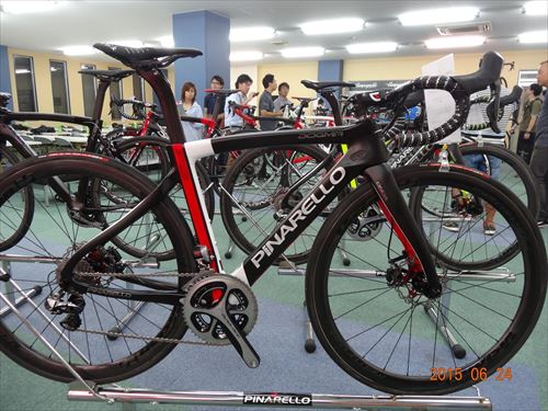 2016-pinarello-dogmaf8 disc-whitered