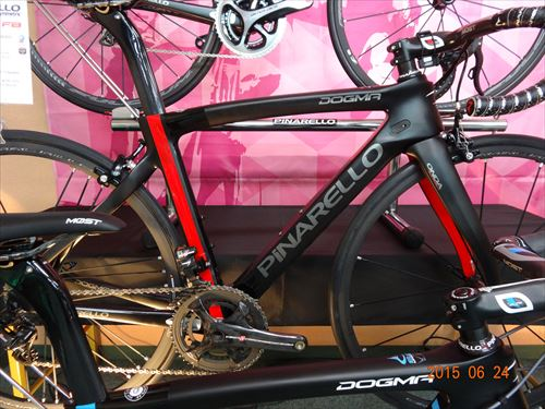 2016-pinarello-DogmaF8-blackred.jpg