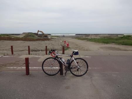 024九十九里ビーチラインに出て、海岸へ寄り道、曇ってきた
